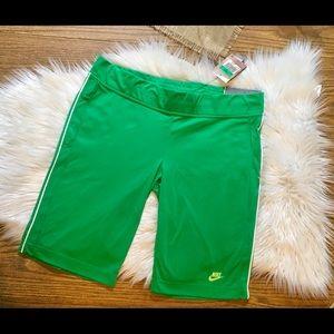 NIKE shorts /XL/skimming effect/NWT